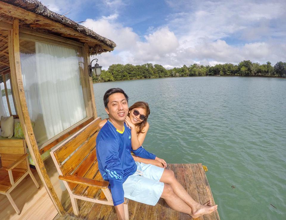 Aquascape floating cottage